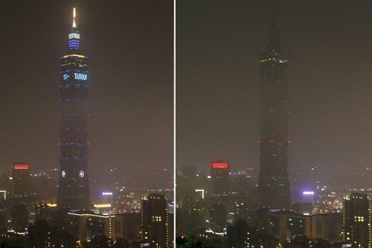 La torre Taipei 101 en Taiwán, a oscuras y con cielo nublado. Foto: AP