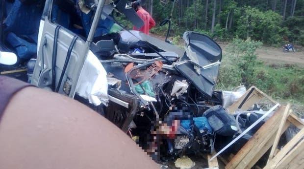 Primeras imágenes del choque entre el micro y el camión tomadas por medios locales