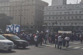La aevnida 9 de julio, cortada por manifestantes