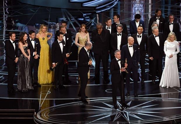 La transmisión de los Oscar segundos antes de que se descubriera el cambio de sobre