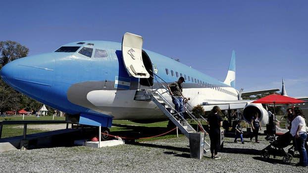 El avión de pasajeros restaurado es una de las mayores atracciones. Foto: LA NACION / Juan Pablo Soler