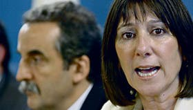 El secretario de Comercio Interior, Guillermo Moreno, y la ministra de Economía, Felisa Miceli, ayer, en la Casa Rosada