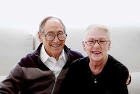 Toffler junto a Heidi, su mujer y coautora de varios de sus trabajos