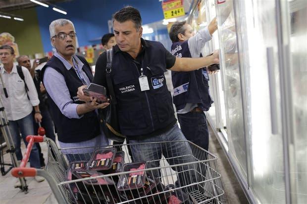 Tras escándalo, gobierno de México suspende la importación de carne de Brasil