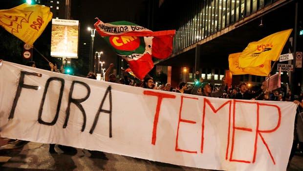 """""""Fora Temer"""", gritan los manifestantes en las calles de Brasilia y San Pablo"""