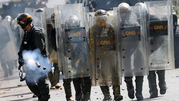 """El jefe de la Policía militar de Maduro llama a la oposición """"ratas escuálidas"""" y pide dar """"un golpe duro"""""""
