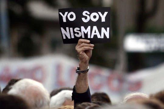 Plaza de Mayo colmada de manifestantes. Foto: DyN