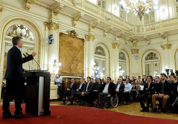 Macri, ayer, al hacer los anuncios en la Casa Rosada