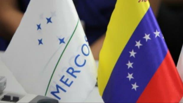 Mercosur anula presidencia de Venezuela y amenaza con su suspensión del bloque