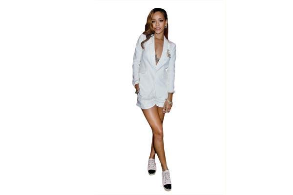 En total white para Rihanna. ¿Qué opinas?.