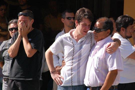 El dolor de los funcionarios municipales por la muerte de Carlos Soria. Foto: Télam
