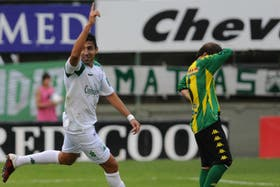 Osvaldo Miranda grita su gol