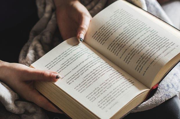 5 opciones para aprovechar el tiempo de viaje a través de la lectura