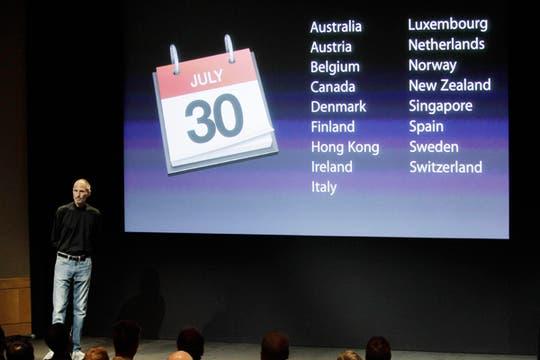 De paso, Steve Jobs aprovechó para anunciar los 17 países que recibirán el lanzamiento del iPhone 4. Foto: AP
