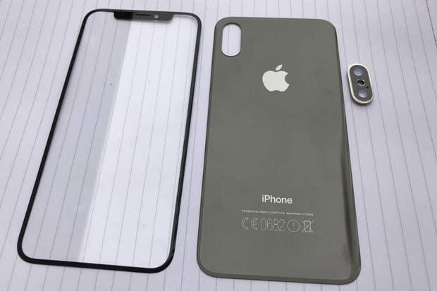 Una de las imágenes filtradas en Reddit y Imgur muestra cómo será el panel frontal de un nuevo modelo de iPhone