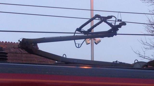 Nakatsu se basó en las plumas de la lechuza para rediseñar el pantógrafo, el mecanismo articulado que transmite electricidad al tren