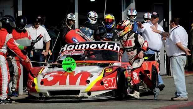 Cambio de piloto y recarga de combustible del equipo Werner