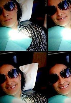 Demi Moore muestra su boca luego de perder un diente.. Foto: Twitter