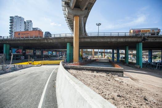 El túnel del Metrobus quedará habilitado en julio de 2015,corre por debajo de la 9 de Julio desde Carlos Calvo hasta Plaza Constitución; mejorará la frecuencia de viajes. Foto: LA NACION / Hernán Zenteno