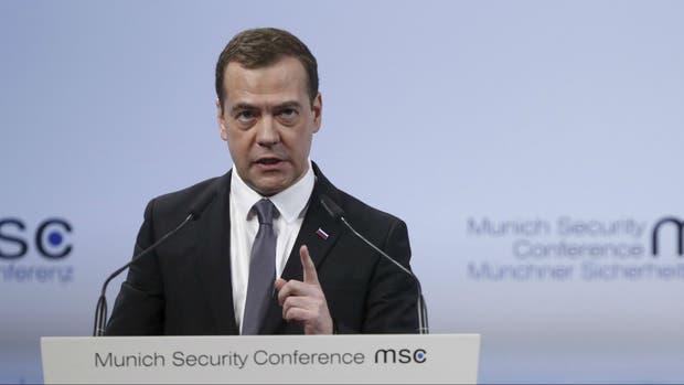 Dmitri Medvedev, primer ministro ruso, apuntó a EE.UU. por las relaciones diplomáticas congeladas que existen hoy
