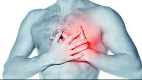 Síntomas tales como la falta de aire, fatiga y retención de líquidos pueden aparecer lentamente