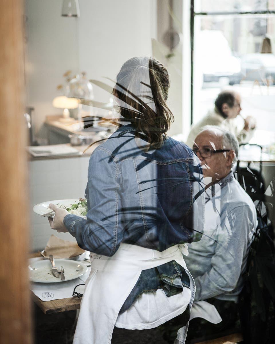 Desde comida judía callejera hasta platos cocinados en horno de barro, nuevos espacios y propuestas a cargo de jóvenes cabezas de la gastronomía local.