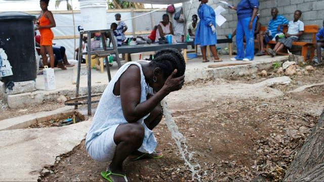 Pacientes enfermos de cólera en un hospital de Jeremie, Haití