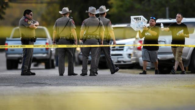 Tiroteo en una iglesia de Texas: testigos afirman que el agresor disparó a bebes a quemarropa