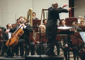 Monighetti (a la izquierda), un violonchelista desbordante