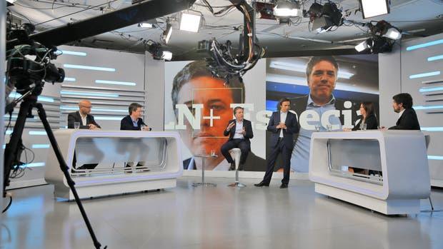 El ministro de Hacienda Nicolás Dujovne, en una entrevista a fondo, en LN+