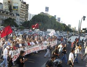 La marcha de los partidos de izquierda, cerca de la Plaza de Mayo