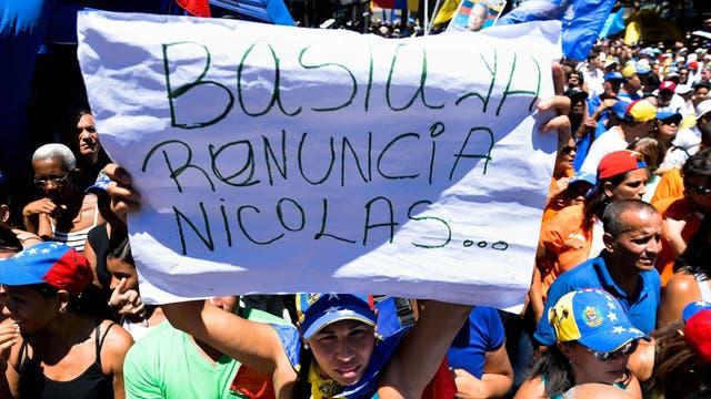 Masiva protesta para pedir la renuncia del bolivariano