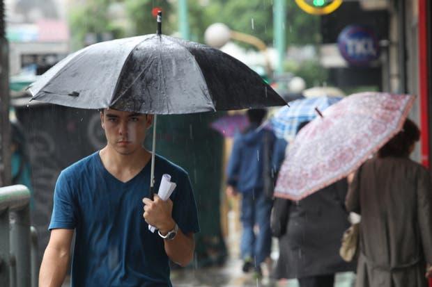 Hay probabilidad de lluvias y tormentas para hoy y mañana