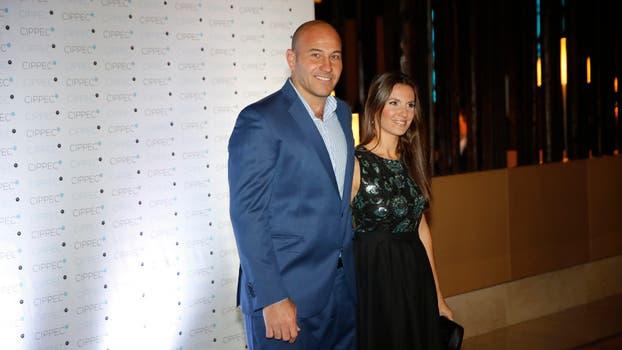 El intendente de Quilmes, Martiniano Molina, junto a su esposa. Foto: Fabián Marelli
