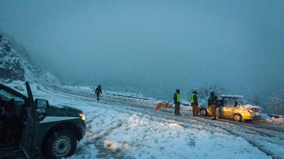 En Neuquén el Ejercito y Gendarmeria brindan ayuda a los afectados. Foto: DyN / Presidencia