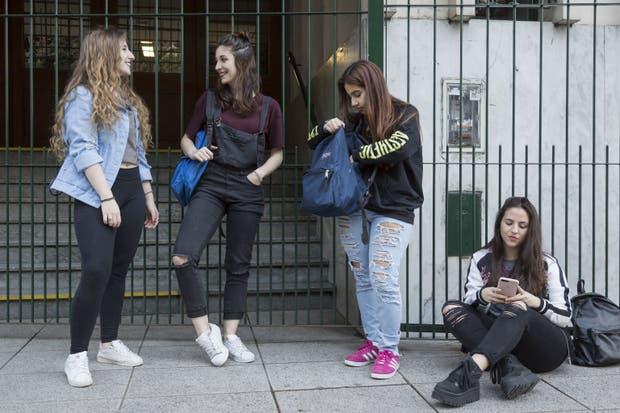 """Sofia Navarro, Antonela Mascitelli, Luciana Coronel y Catalina Pavia, con prendas que """"infringen"""" las reglas"""