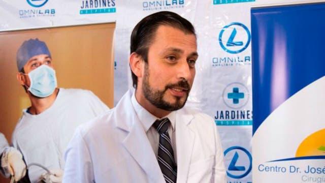 El cirujano bariatra Dr. José Antonio Castañeda lidera un equipo de cerca de 30 especialistas que están a cargo del tratamiento de Juan Pedro Franco Salas