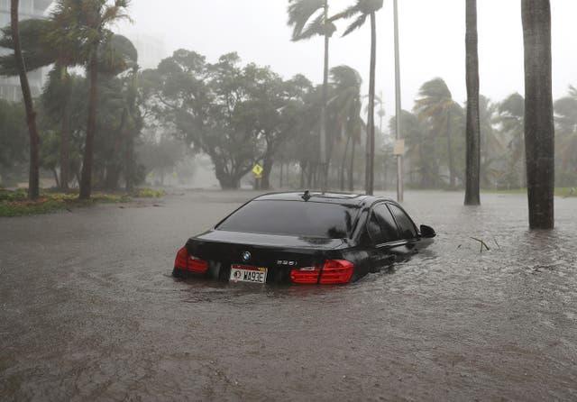 Miami durante la tormenta causada por el huracán en Miami, Florida