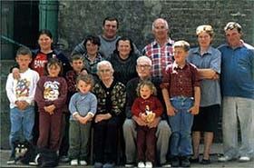 La familia Spies en pleno. Son descendientes de colonos alemanes que llegaron a Esperanza alrededor de 1850