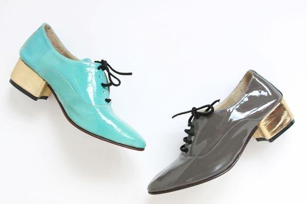 ¡Estos zapatos abotinados de charol son la última tendencia! Consultar precio en Le Loup. Foto: Gentileza Le Loup