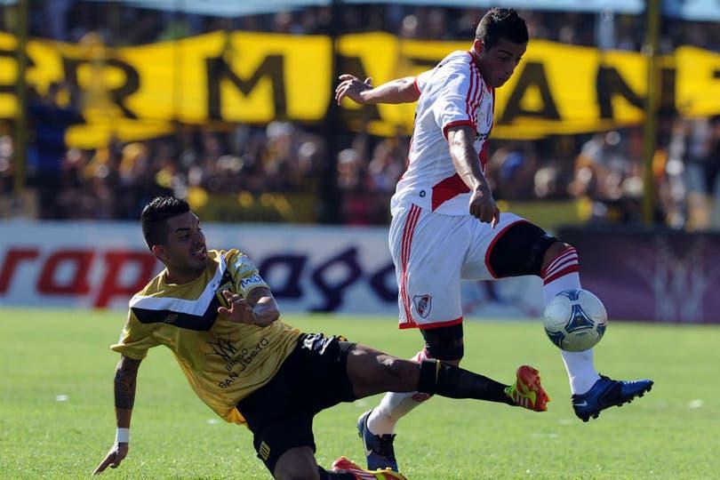 Las mejores fotos del empate 1 a 1 entre Almirante Brown y River. Foto: Télam