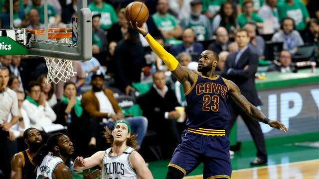Cavaliers superan a Celtics en juego inaugural