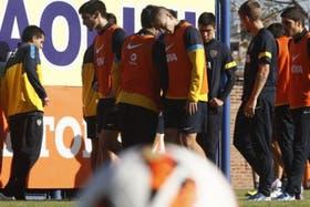 Boca busca levantar ante Vélez
