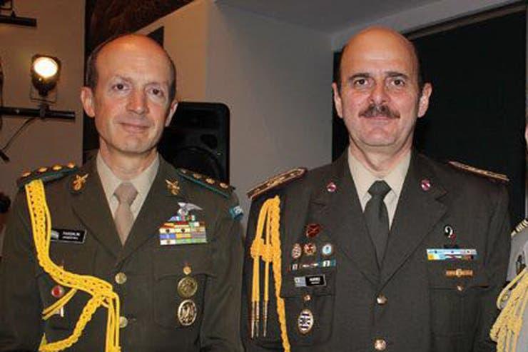 Pasquialini (izquierda) hasta hoy comandante de la Segunda División del Ejército, con asiento en Córdoba, será el reemplazante
