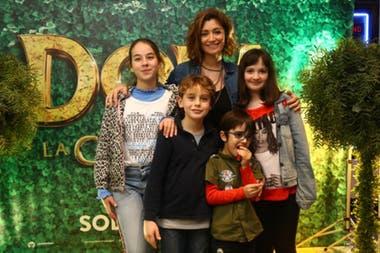 Carla Conte decidió llevar a los pequeños de la familia a disfrutar del espectáculo