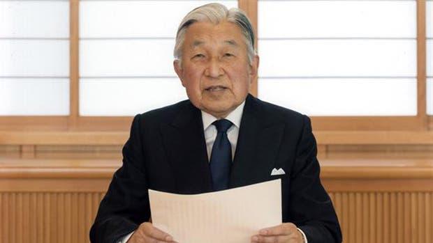 Japón promulga ley para permitir la abdcación del emperador Akihito