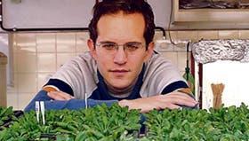 El doctor Gustavo Gudesblat, en su laboratorio