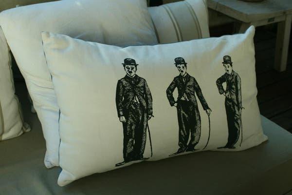 Los almohadones son otro must de la tienda. Foto: gentileza Petit Margot