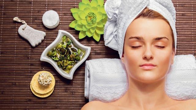 Esta también es una época ideal para retomar tratamientos que no pueden hacerse con exposición al sol, como la depilación definitiva