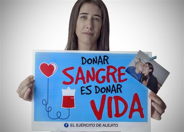 Cuando su hijo falleció de leucemia, creó una fundación para promover la donación de sangre y médula ósea